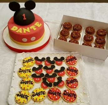 Mickey torta cookies y cupcakes (2)