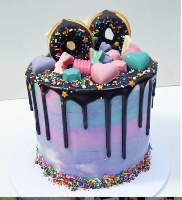 drip cake donas y chocolates
