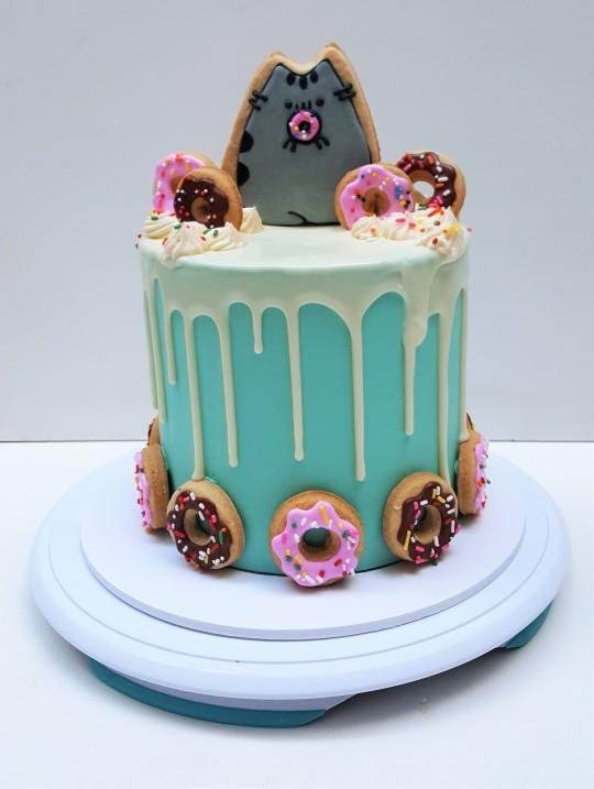 Torta y cookies pusheen cat drip cake (7)